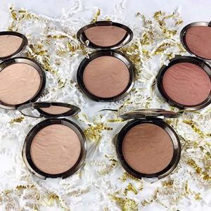 Blush, Bronzers & Highlighters
