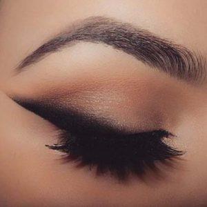 Eyeliner & Eyebrows